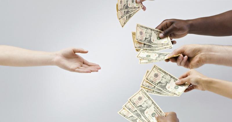 А так можно было? Жители Малайзии скинулись и собрали 3 миллиона долларов на оплату госдолга