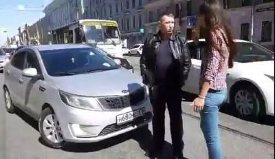Нападение автохама на девушку на Литейном