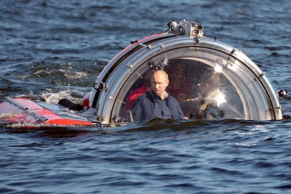 """Учитесь удивлять: """"Только Путин мог прибыть на Черное море в подводной лодке!"""""""
