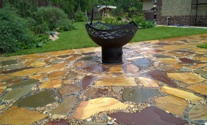 Делаем оригинальную садовую дорожку из плитняка