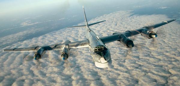 Летающий русский «Медведь»: самый скоростной в мире боевой самолёт с винтовыми двигателями