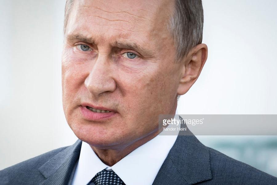 О том, как Путин рушит рубль