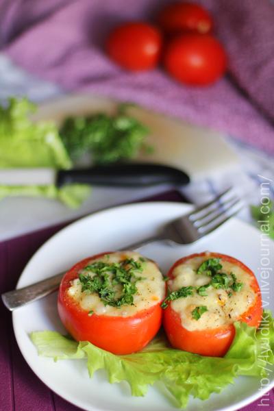 Помидоры, фаршированные куриным филе и овощами