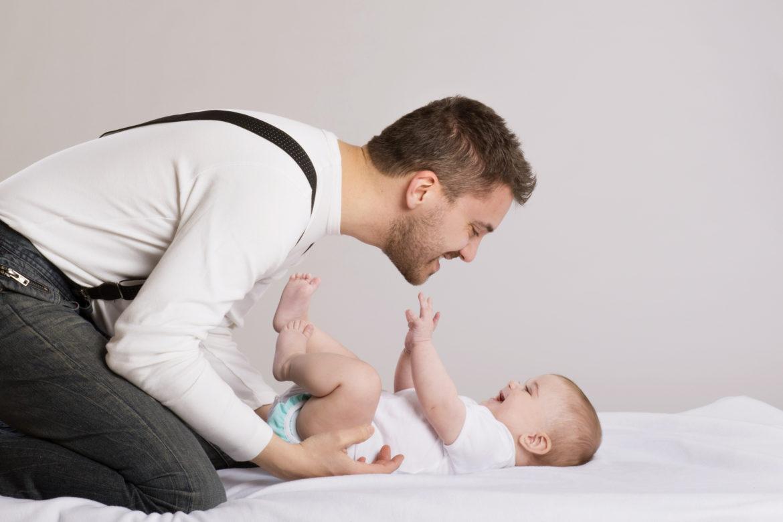 То, что этот папа из Швеции делает со своим сыном, заставляет нервничать даже людей со стальными нервами