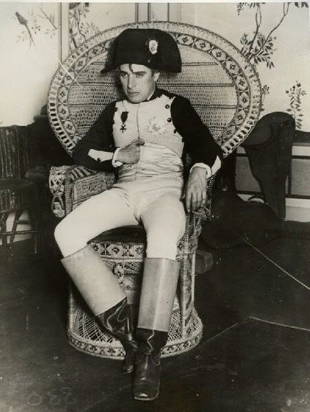 Чарли Чаплин на костюмированной вечеринке, 1925 г. история, люди, мир, фото