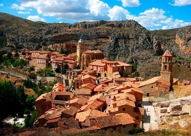 25 маленьких и уютных городов Европы