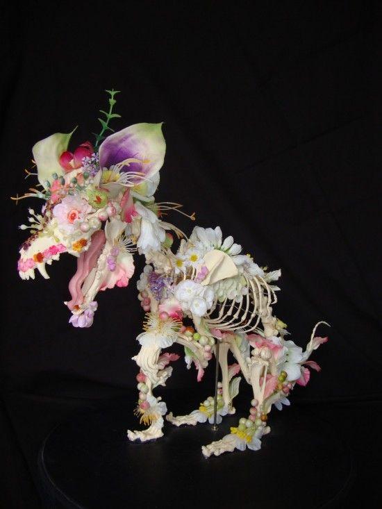 Скелеты из цветов (7 фотографий), photo:6