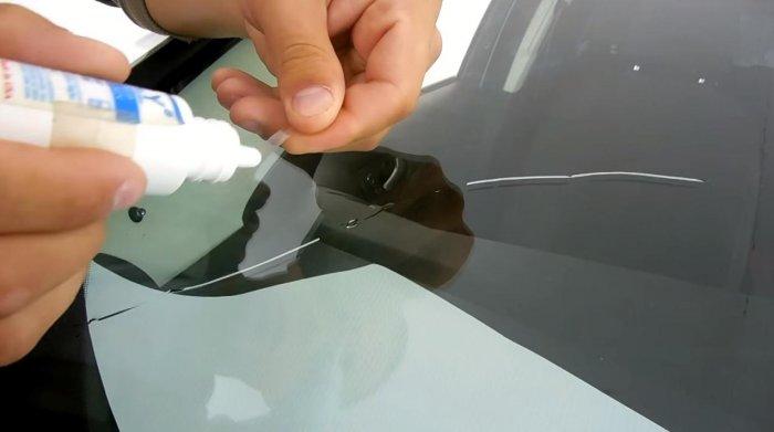Как заделать трещину на лобовом стекле автомобиля