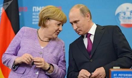 Путин и Меркель заставляют Киев нервничать