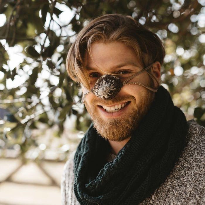 Зима близко… Британцы запустили бизнес по пошиву шапочек для носа