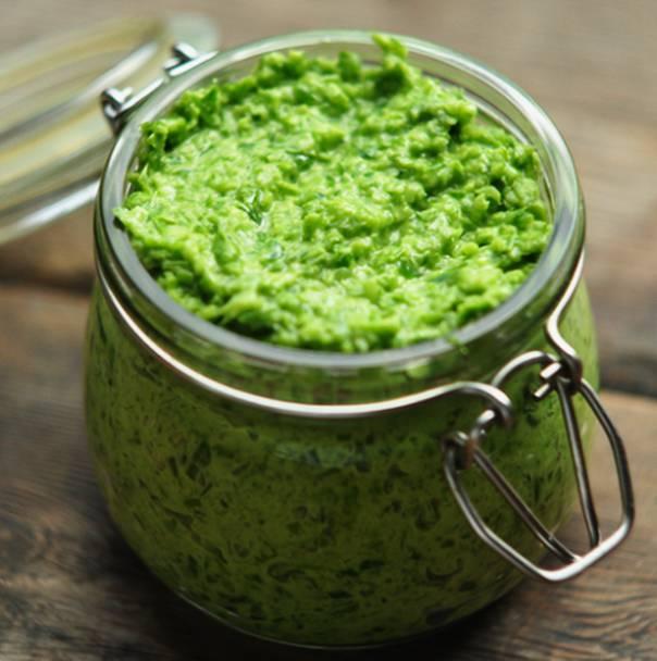 Чесночная паста из стрелок зеленого чеснока