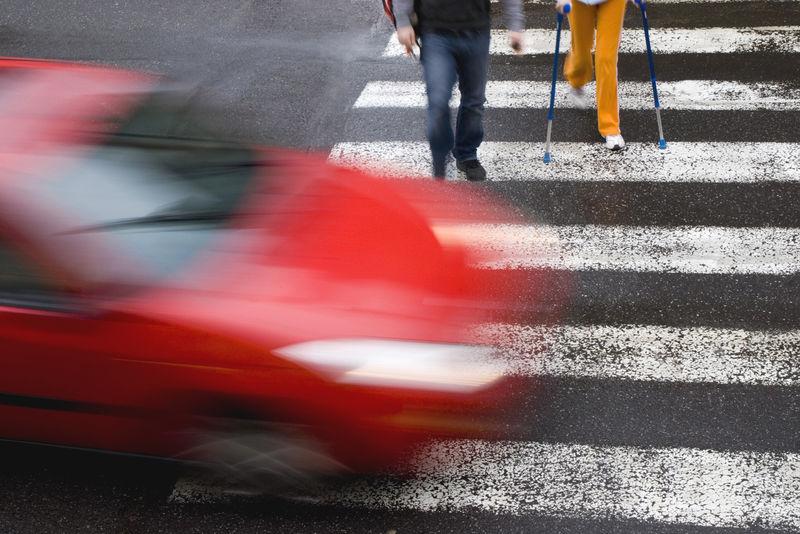 Правительство уточнит, как правильно пропускать пешеходов