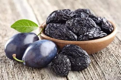 Полезные свойств чернослива.
