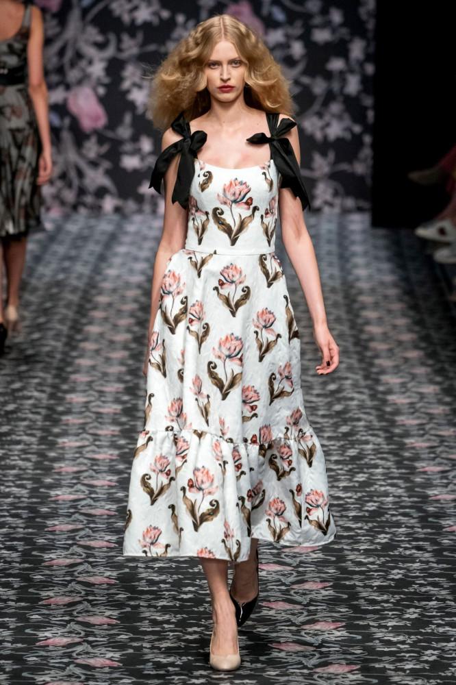 20 красивых платьев из коллекции LENA HOSCHEK ВЕСНА-ЛЕТО 2020