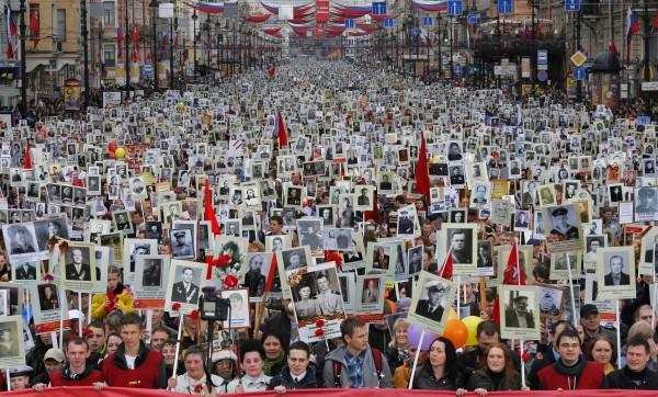 Джон Теффт : Образ «Бессмертного полка» олицетворение памяти о победе во Второй мировой