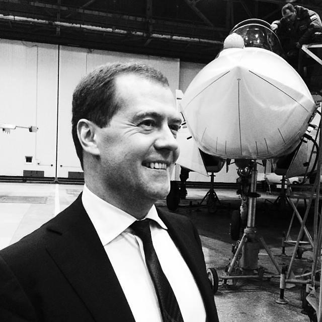 Медведев против Путина: смелость, глупость или заявление об отставке?