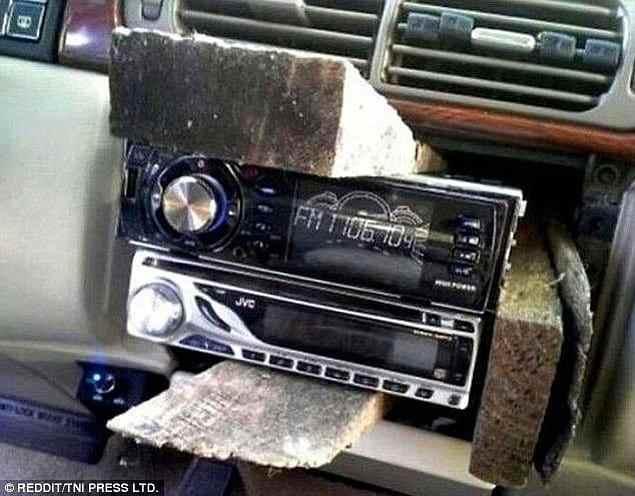 Гении ремонта приложили свои руки и к автомобилям...