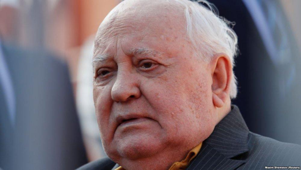 Горбачёв обратился ко всем, …