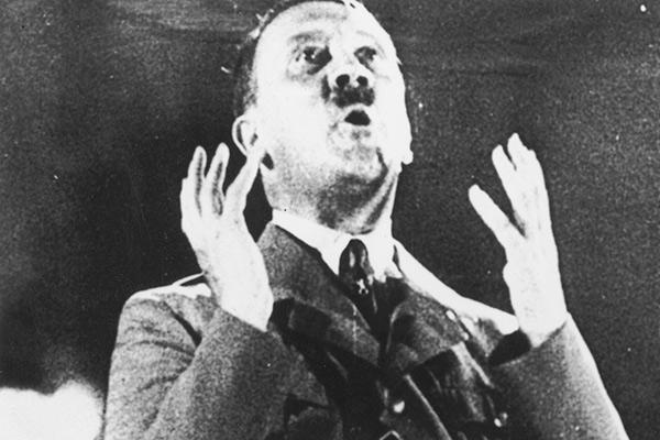 Харе Гитлер!  Пережившие войну нацисты нашли спасение в йоге и гомосексуализме