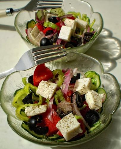 салат Хориатики в стиле греческого..для Веры любовно приготовленный...:-))