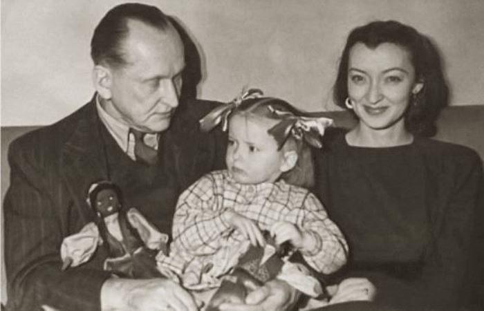 Марианна с родителями – Александром и Лидией Вертинскими