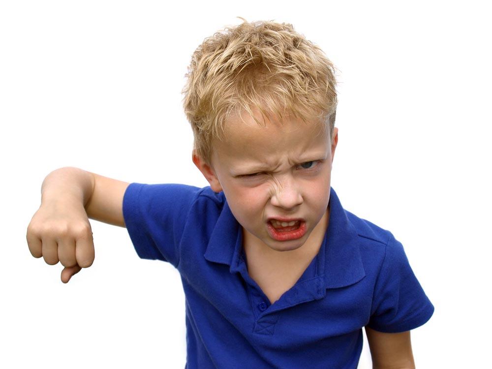 Жестокость и агрессивность у детей: откуда?
