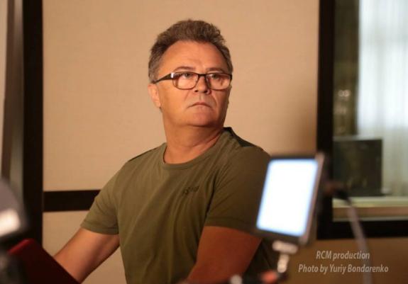Я - русский: украинский продюсер заклеймил политиков и заявил, что он едет на ЧМ в Россию
