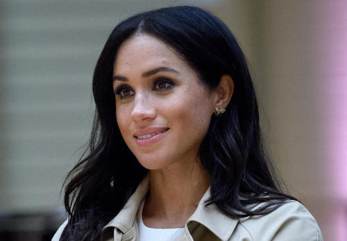 Герцогиня Меган впервые показалась на публике после объявления о беременности