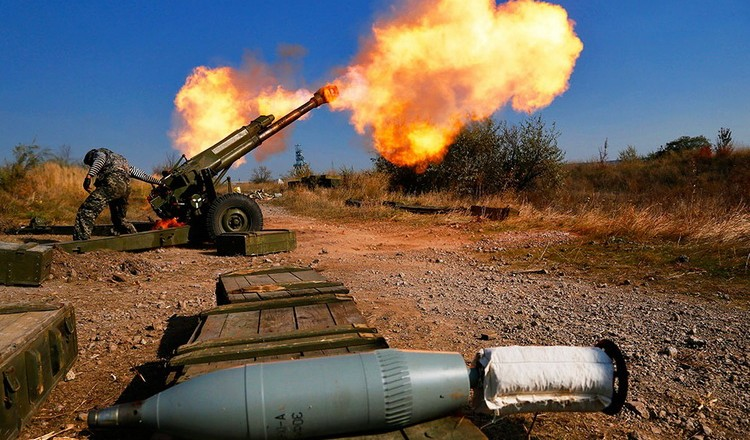 ВСУ продолжают обстреливать территорию ДНР