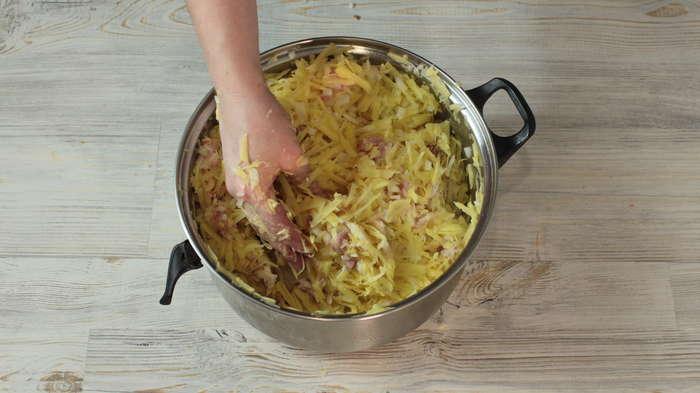 Картофельные колбаски с мясом Видео рецепт, Рецепт, Еда, Колбаса, Картофель, Домашняя колбаса, Видео, Длиннопост, Кулинария