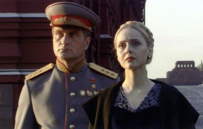 Сегодня исполняется 60 лет актеру театра и кино Александру Балуеву
