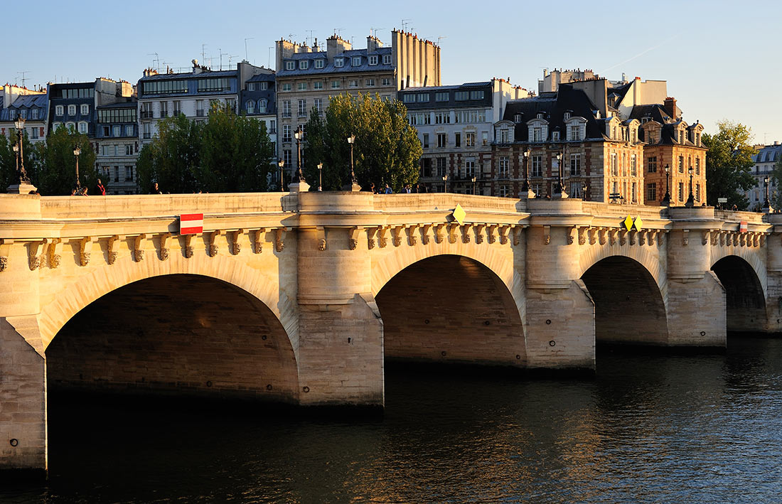 Новый мост в Париже