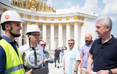 Собянин поблагодарил реставраторов за благоустройство ВДНХ