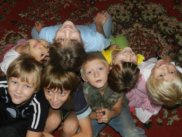 Моя подруга решила взять ребенка из детского дома, и упросила меня с ней сходить, так у меня появилось 13 детей…