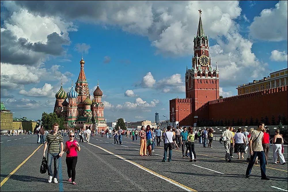 Почему в любом городе легко разоблачают москвичей