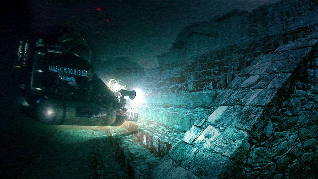 Подобны тем, что в Мексике и Египте: в китайском озере нашли пирамиды возрастом 14 тысяч лет