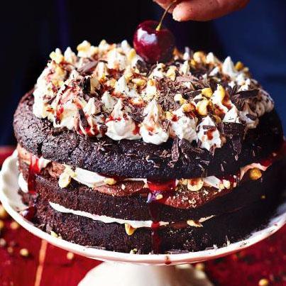 Рецепты к Новогоднему столу. Праздничный торт ЧЕРНЫЙ ЛЕС - как украсить торт *