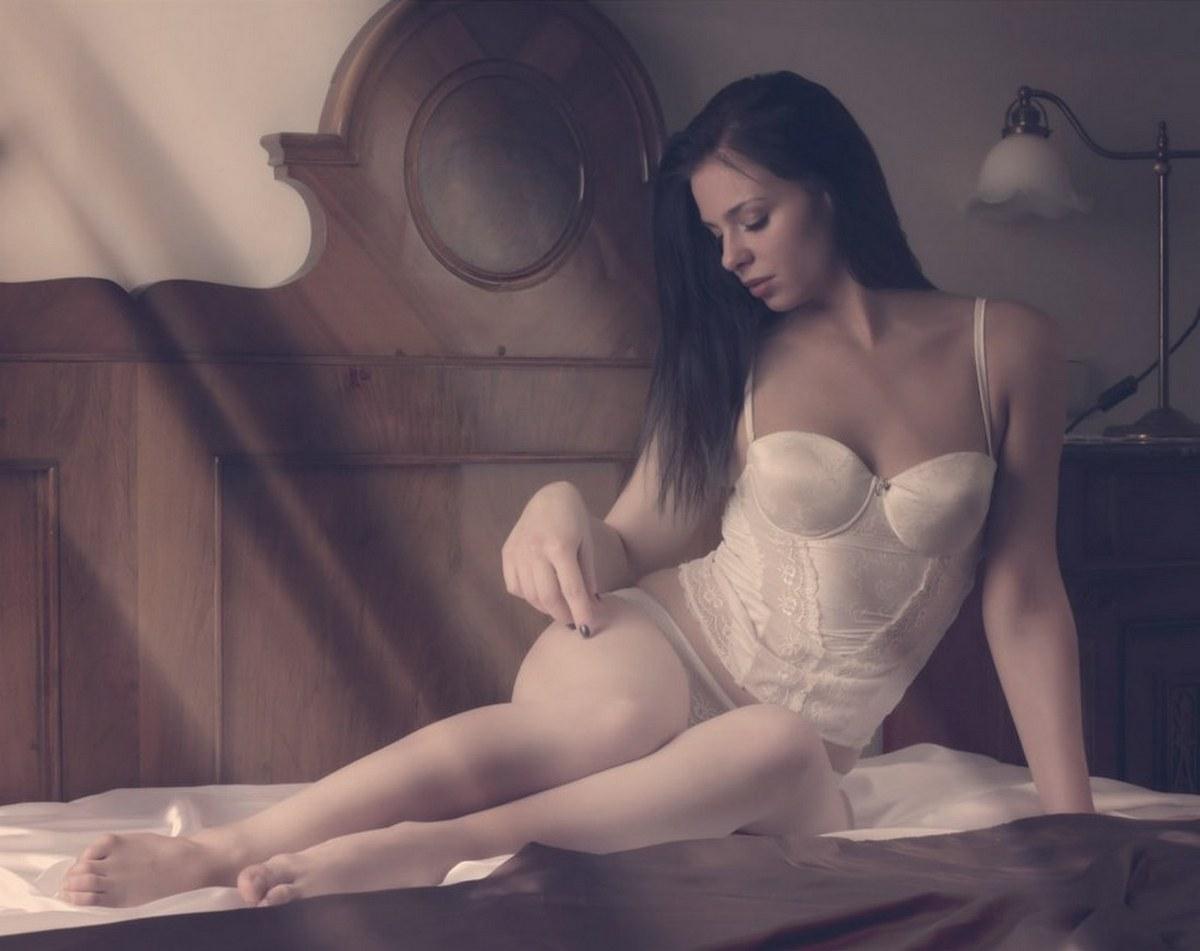 Обольстительные и эротичные девушки на страницах интернета