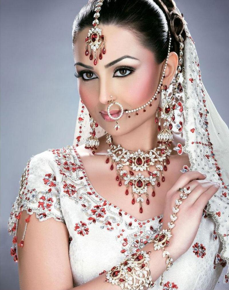 Фото голые индийские девушки 17 фотография