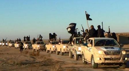 СМИ: ДАИШ эвакуирует свою «столицу» в сирийский Дейр-эз-Зор
