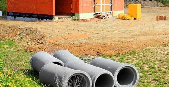Как быстро и дешево устроить на даче водопровод и канализацию?