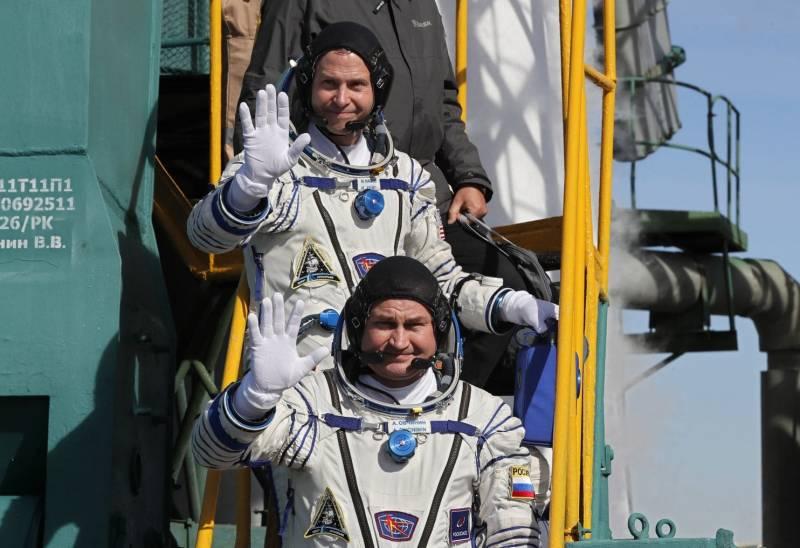 Астронавты сели, а авария давит на NASA