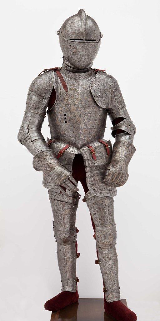 Развенчиваем мифы о средневековых доспехах