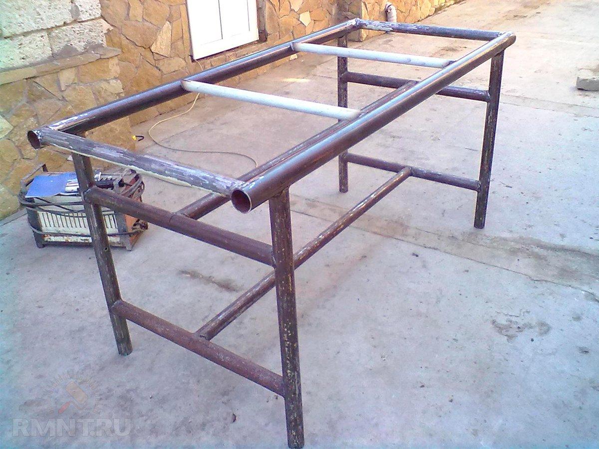 Как сделать стол из металлического профиля своими руками