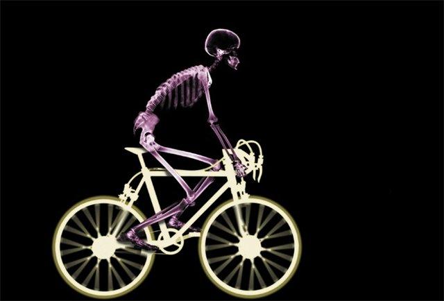 Велосипедист - это настоящее бедствие для экономики!