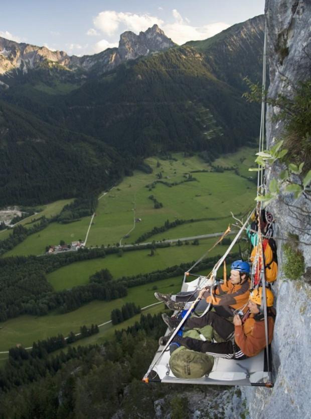 Также в парке Waldseilgarten можно провести время в специальных платформах над обрывом в окружении Альп кемпинг, мир, опасность, отдых, палатка, путешествие, турист, экстрим