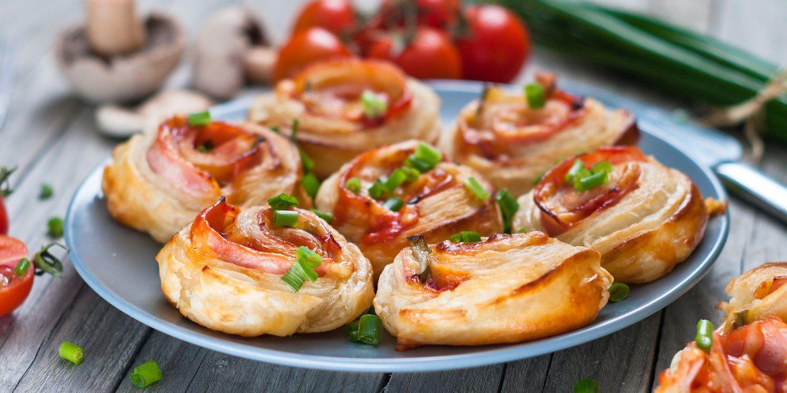 20 простых и вкусных блюд из слоёного теста