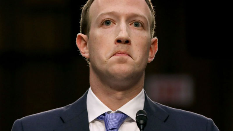 В Facebook под прикрытием: журналист устроился работать модератором и рассказал, как соцсеть нас обманывает