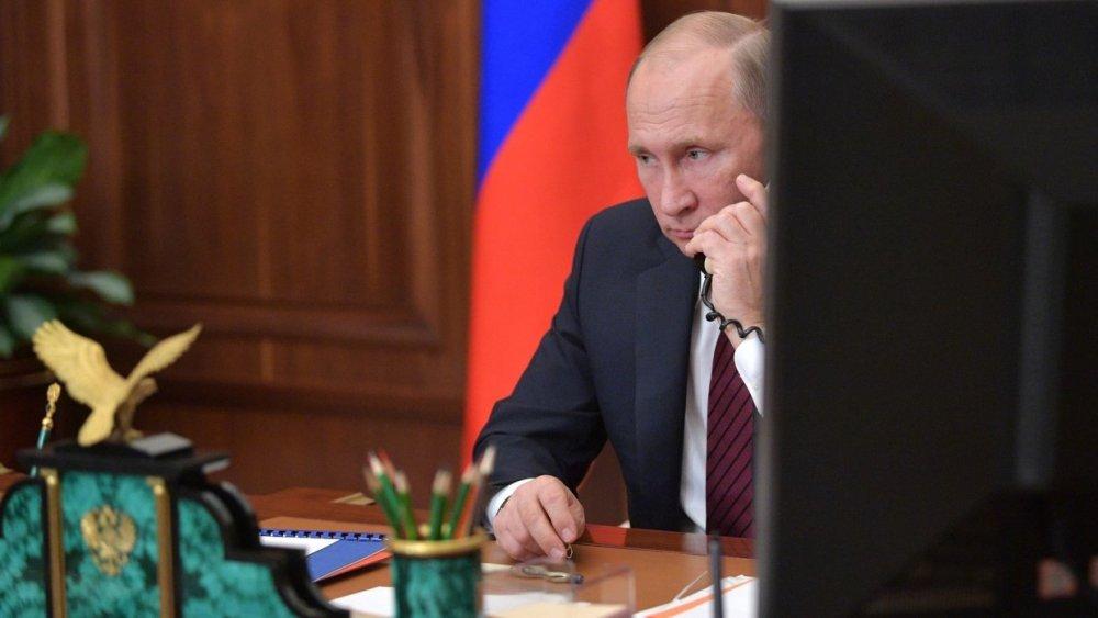 Сначала хамил, а потом стал звонить Путину : о «силе Порошенко»