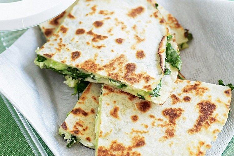 Сырные лепешки с творогом и шпинатом